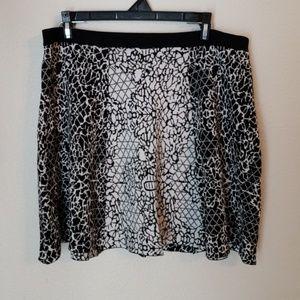 Banana Republic Skirt size Large STRETCH